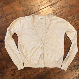 ♥️3for$15♥️ Taupe Colored Sweater size Medium